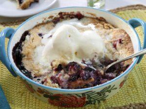 berry dump cake